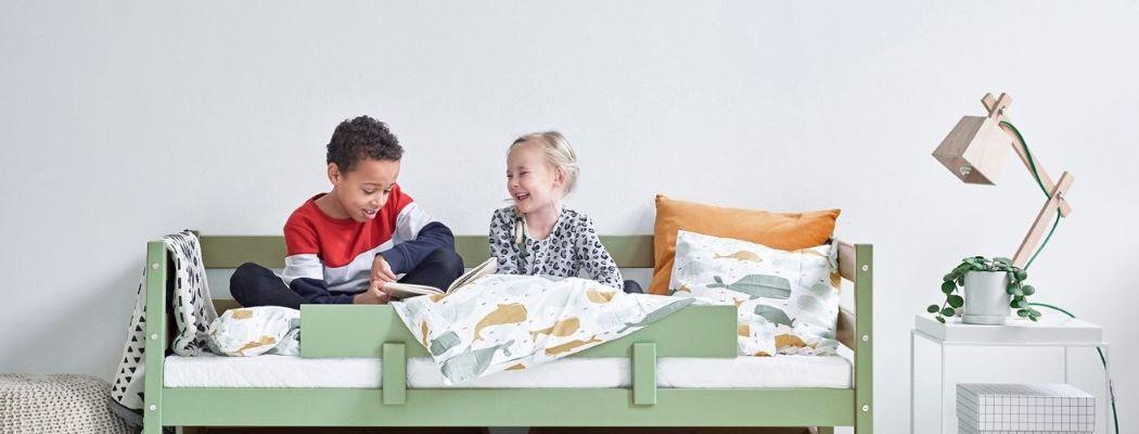 Die Mission von Hoppekids ist es, die sichersten und nachhaltigsten Kindermöbel herzustellen, die guten Schlaf, Spiel und kreatives Lernen fördern. Wie ein Kinderzimmer nicht nur ein Raum mit Möbeln darin ist, sind Kindermöbel nicht einfach nur zweckerfüllende Gegenstände.