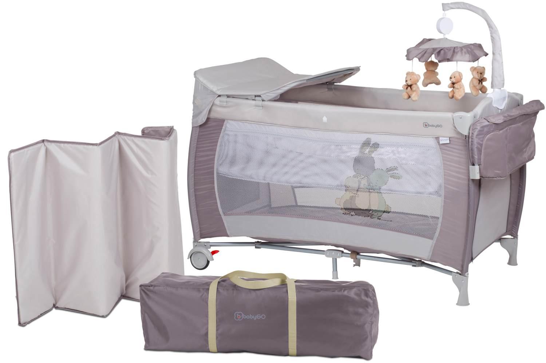 BabyGO 'Sleeper deluxe' Reisebett 60x120 cm, beige, mit Matratze, Wickelauflage, Mobile und Schlupf Bild 1