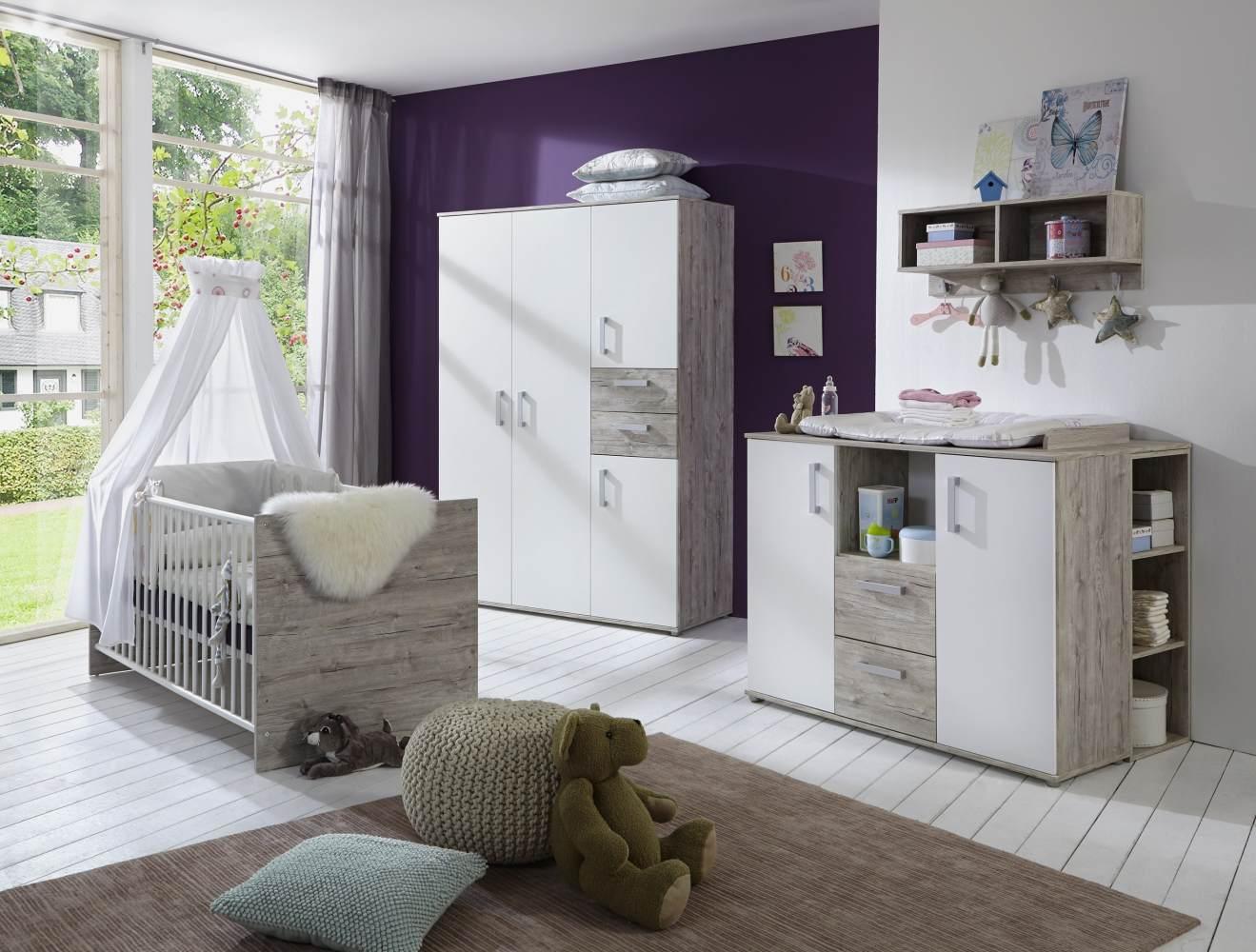 Arthur Berndt 'Bente' Babyzimmer Komplettset 3-teilig, Kinderbett (70 x 140 cm), Wickelkommode mit Aufsatzseiten und Kleiderschrank Eiche Sand / Weiß Bild 1