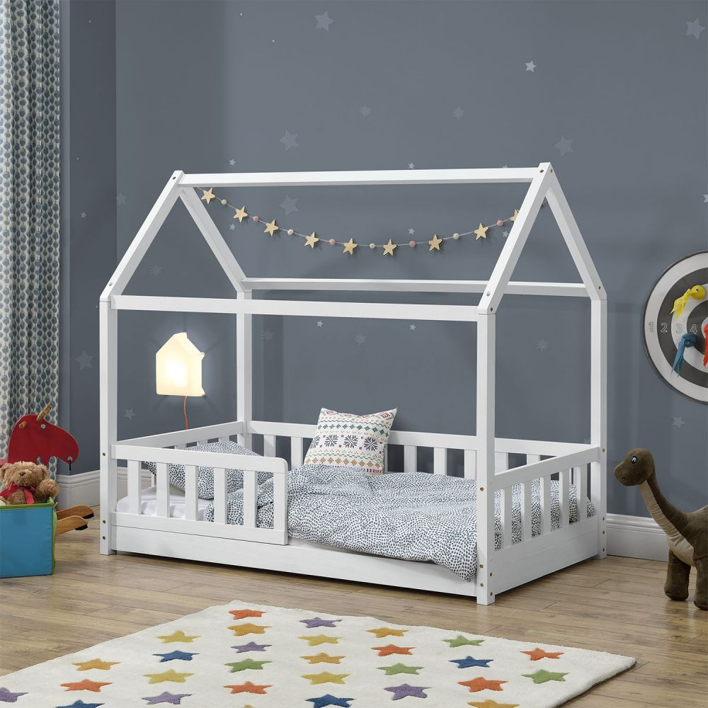 Juskys 'Marli' Hausbett 80 x 160 cm, weiß, Kiefer massiv, mit Rausfallschutz und Lattenrost Bild 1