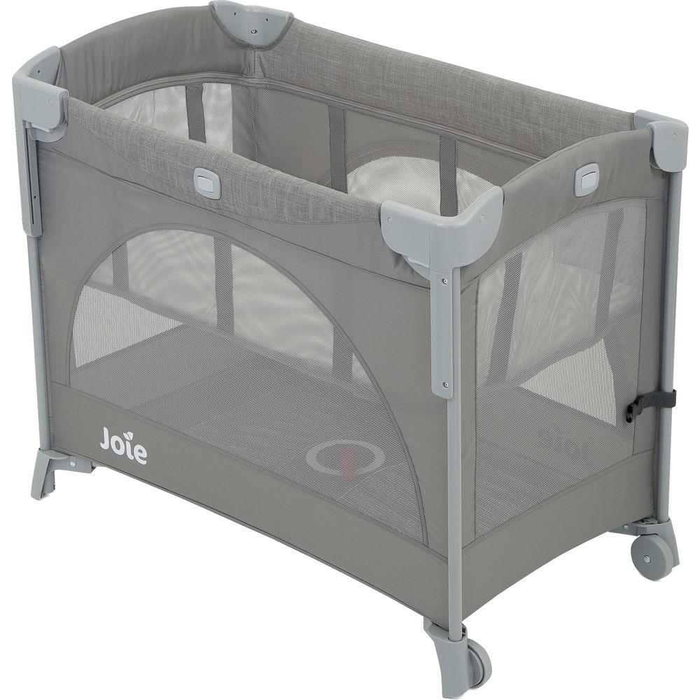 Joie 'Kubbie Sleep' 2-in-1 Reise- und Beistellbett, Foggy Grey, bis 15 kg, klappbar, mit Rollen und Schlupf Bild 1