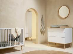 Quax 'Flow' 3-tlg. Kinderzimmerset, White & Oak, aus Bett 60 x 120 cm, Wickelkommode und 2-trg. Kleiderschrank
