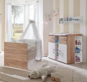 Arthur Berndt 'Anna' Babyzimmer Sparset 2-teilig, Kinderbett (70 x 140 cm) und Wickelkommode mit Aufsatzseiten Goldeiche / Weiß