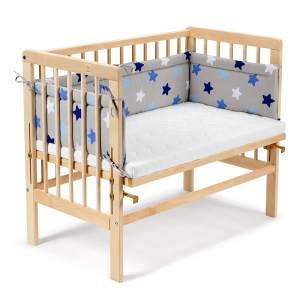 Fabimax 4583 'BASIC' Beistellbett natur, inkl. Matratze 'AIR' und Nestchen 'Sterne' blau auf grau