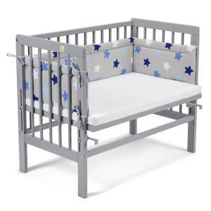 Fabimax 4683 'BASIC' Beistellbett grau, inkl. Matratze 'AIR' und Nestchen 'Sterne' blau auf grau