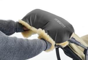 Hofbrucker Lammfell-Handwärmer für Kinderwagen grau