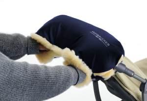 Hofbrucker Lammfell-Handwärmer für Kinderwagen blau