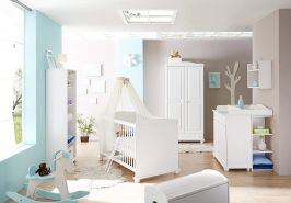 Ticaa 'Adam' 4-tlg. Babyzimmer-Set, Weiß, aus Bett 70x140 cm, Kleiderschrank, Regal und Wickelkommode inkl. Anstellregal