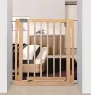 Safety 1st 'Easy Close' Treppenschutzgitter, für Türbereiten 73 cm- 80 cm , Klemmbefestigung, Holz, Natur
