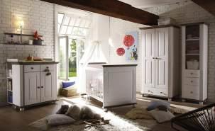 Ticaa 'Laura' 5-tlg. Babyzimmer-Set, weiß/lava, aus Bett 70x140 cm, 2-trg. Kleiderschrank, Standregal, Wickelkommode inkl. Unterstellregal und Wandboard