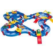 AquaPlay 'Mega-Kindergartenset' Wasserbahn, 156 x 145 x 22 cm, inkl. Kran, Klappbrücken, 4 Spielfiguren, Boote, Wasserfahrzeug und mehr