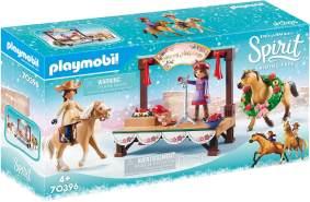 Playmobil Spirit Riding Free 70396 'Weihnachtskonzert', 92 Teile, ab 4 Jahren