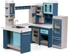 Step 2 'Grand Walk-in Wood Kitchen' Spielküche, aus Holz, 127 x 119 x 84 cm, inkl. Zubehör, ab 3 Jahren